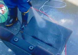 ダイハツ タントのゲロ(嘔吐)清掃例-2