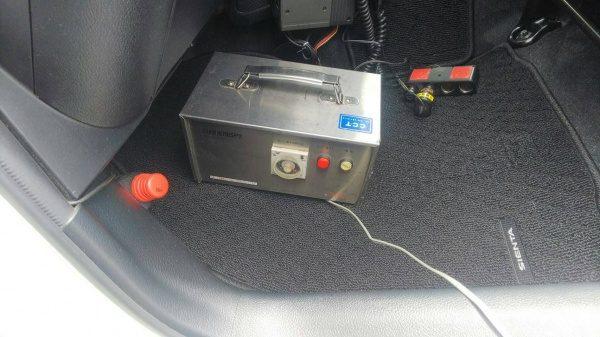 リーニング終了後オゾン発生機で車内全部を殺菌消臭して完了です。