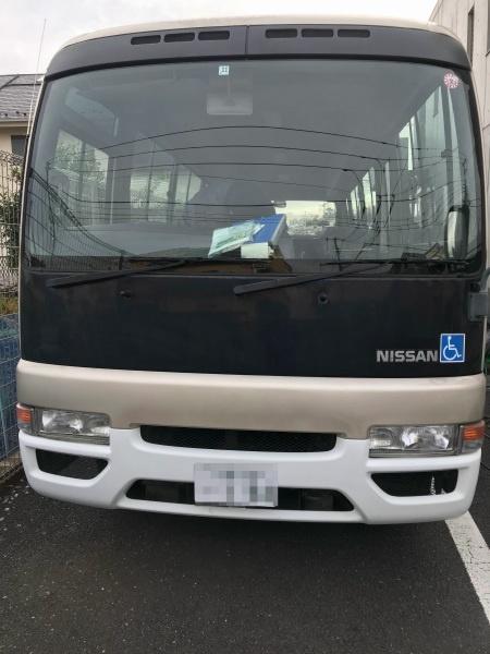 日産のバス シビリアン 車内清掃
